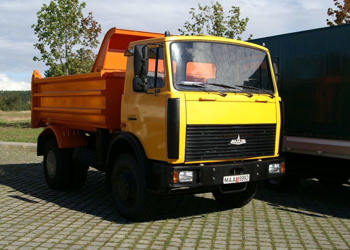 Маз 5551 желтый