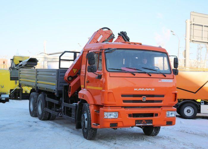 На базе шасси КАМАЗ 65115 - манипулятор