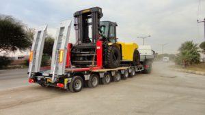 Раздвижной низкорамный трал для перевозки грузов