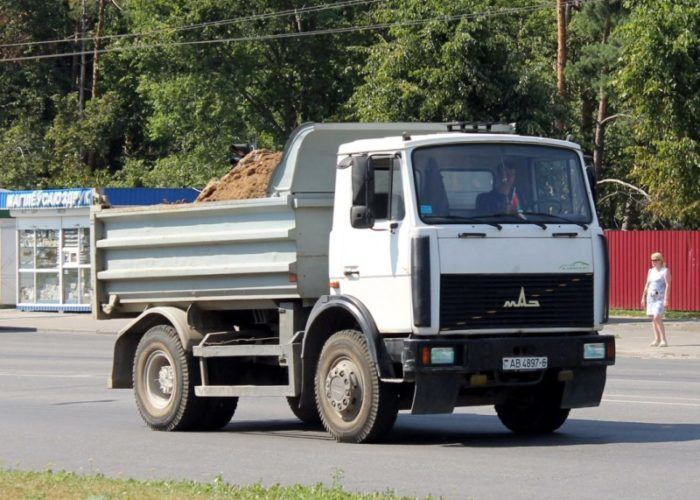Самосвал МАЗ 5551 белый