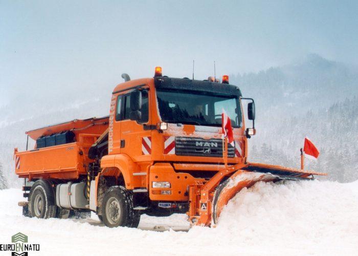Снегоуборочная машина MAN
