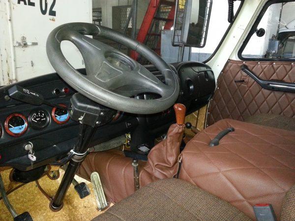 Кабина автомобиля УАЗ 3303