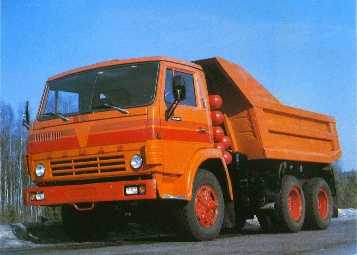 КамАЗ-551 самосвал