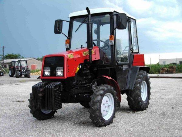 Трактор Беларус-320