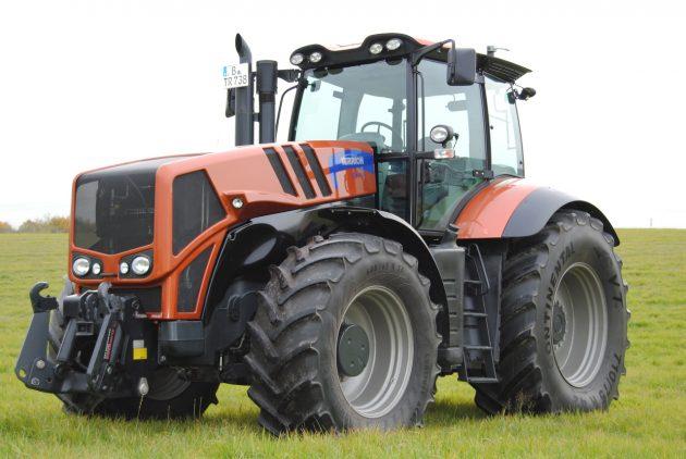 Трактор TERRIONATM7360