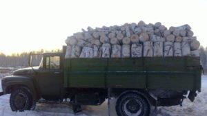 ЗИЛ 130 с дровами