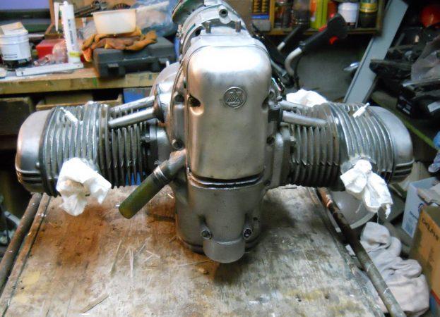 Двигатель М-67