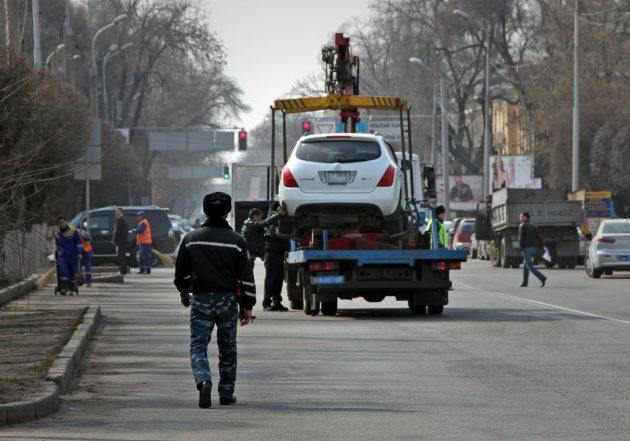 Изъятие автомобиля с перемещением его на штрафстоянку за нарушение правил