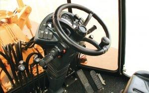 Кабина автогрейдера ДЗ-122 внутри