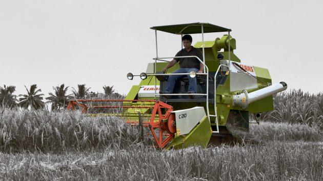 Мини-комбайн для уборки зерна