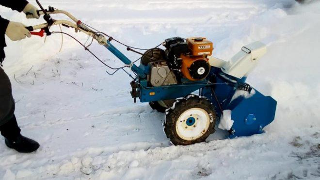 Мотоблок Нева МБ-2 со снегоуборщиком