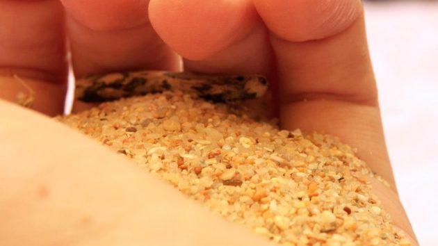 Однородность мытого песка позволяет использовать его даже в ландшафтном дизайне