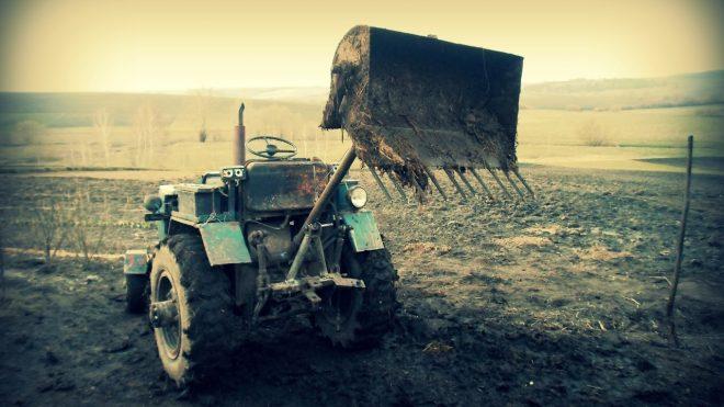Погрузчик на трактор