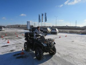 Практические занятия по вождению снегохода
