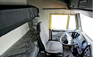 Салон кабины базовой модификации Камаза 6460