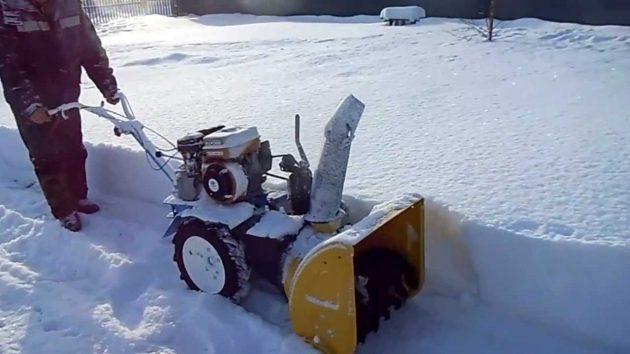 Снегоуборщик СП-56 на мотоблоке Нева