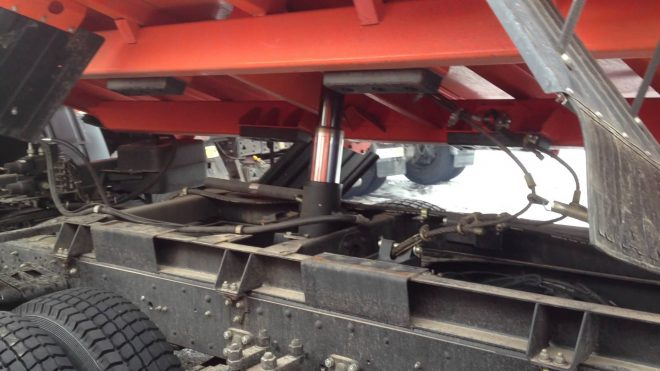 Цилиндр подъема кузова КамАЗа