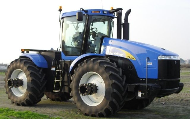 Трактор New Holland T9040