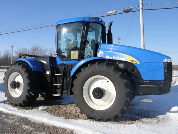 Трактор колесный New Holland T9030