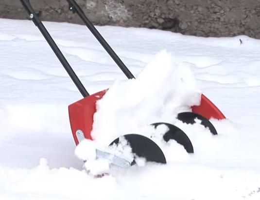 Уборка снега снегоуборщиком Forte QI-JY-50