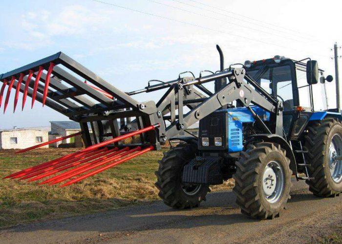 Фронтальный погрузчик для сена на базе МТЗ-1221