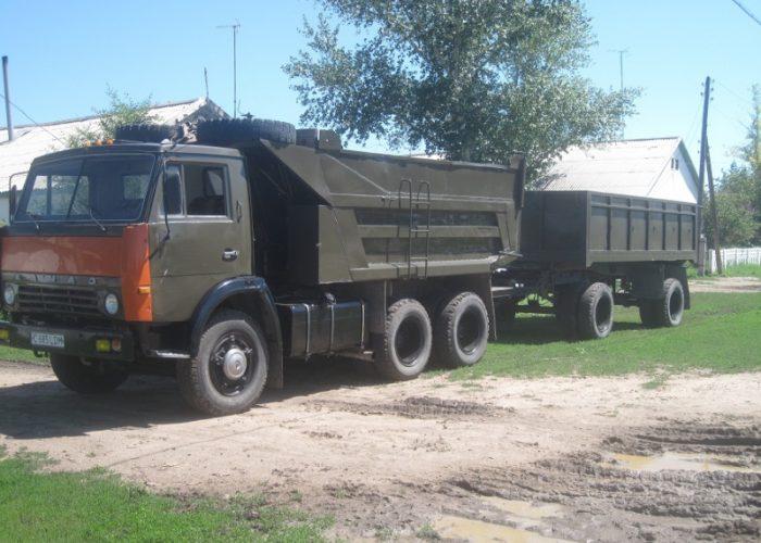 Камаз 5511 с прицепом коричневый