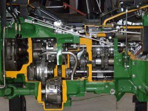 Коробка передач трактора John Deere