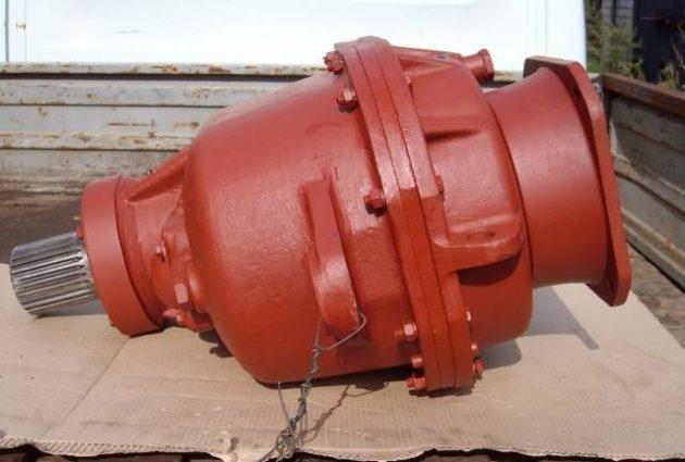 Механизм поворота башни крана КБ-403