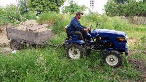 Мини-трактор Булат 120 в работе