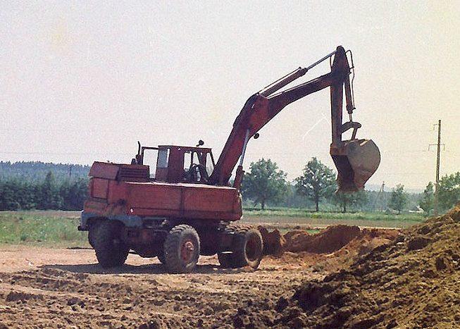 Обратная лопата с рыхлителем ЭО 3322
