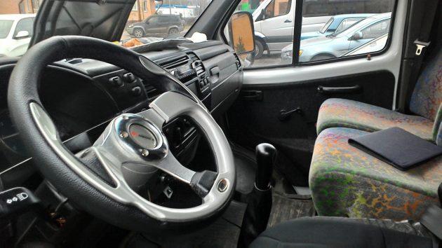 Рабочее место водителя ГАЗ 322132