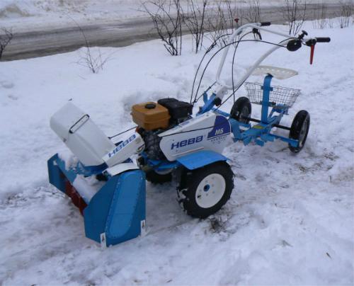 Снегоуборочная насадка на мотоблок