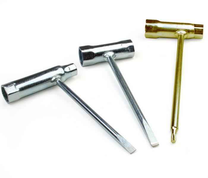 Свечной ключ комбинированный