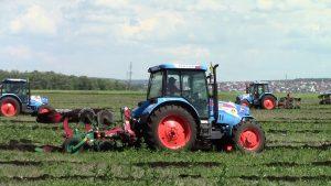 Трактор Агромаш 85ТК в работе
