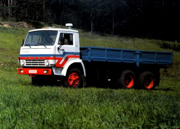 Тюнинг Камаза 5320 красные диски