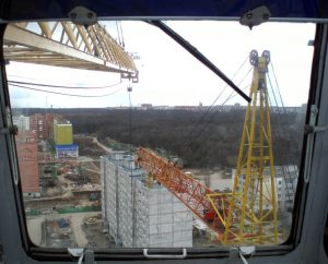 Вид из кабины башенного крана КБ-403