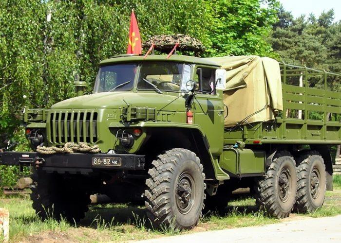 ВоенныйУрал 4320 длиннообразный