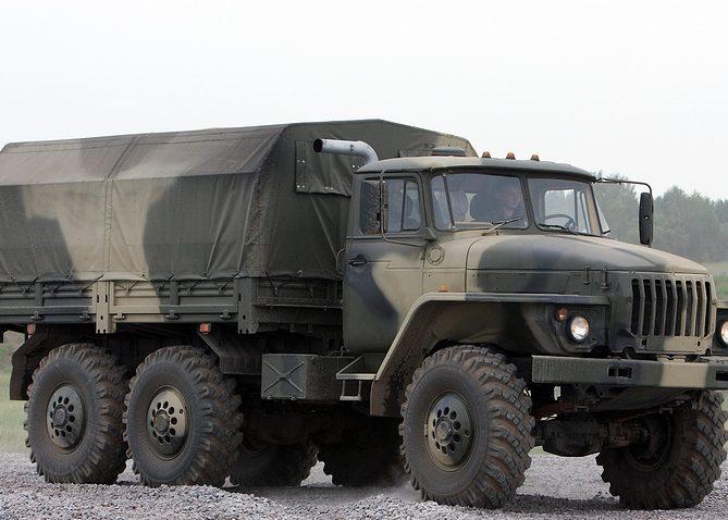 ВоенныйУрал 4320 с тентом