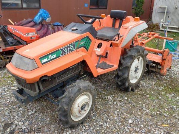 Мини-трактор Kubota XB1, 4WD, 12 л.с.