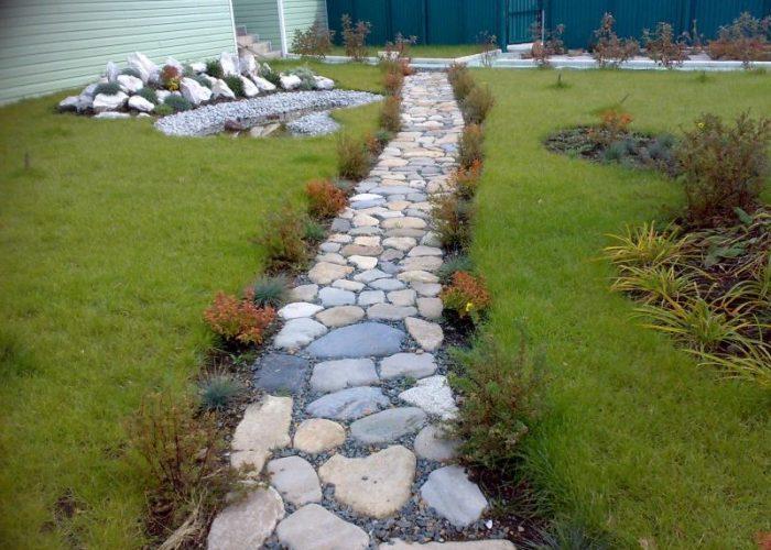 Садовая дорожка из камня