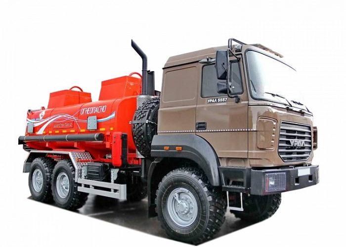 Урал 5557 топливозаправщик