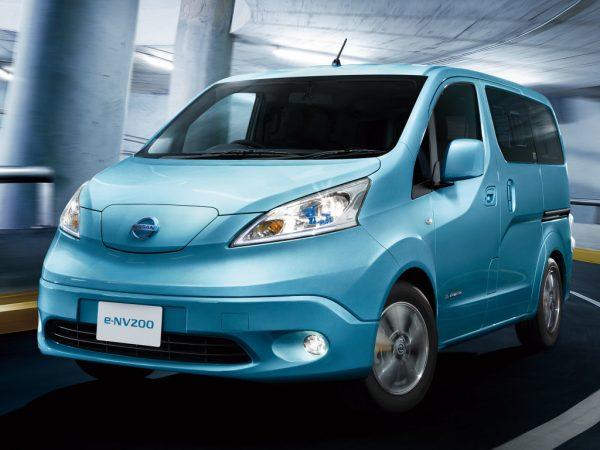 Автомобиль E-NV200