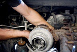 Демонтаж турбины дизельного двигателя