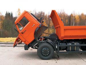 КамАЗ-43255 с наклоненной кабиной