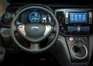 Панель управления Nissan NV200