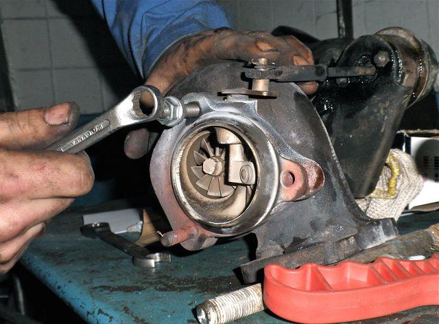 Ремонт турбины дизельного двигател