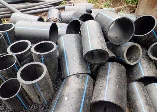 Обрезки водопроводных труб