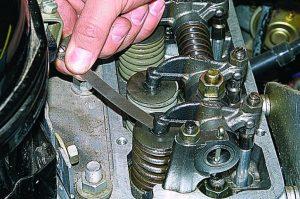 Регулировка клапанов двигателя ЗМЗ-402